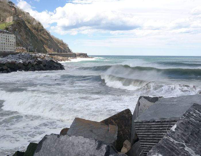 Blue Wave Sansebastian Spring Surf Ocean Honor Atlantic Ocean SPAIN Basque Country NX2000 Solocosebelle Solotravel