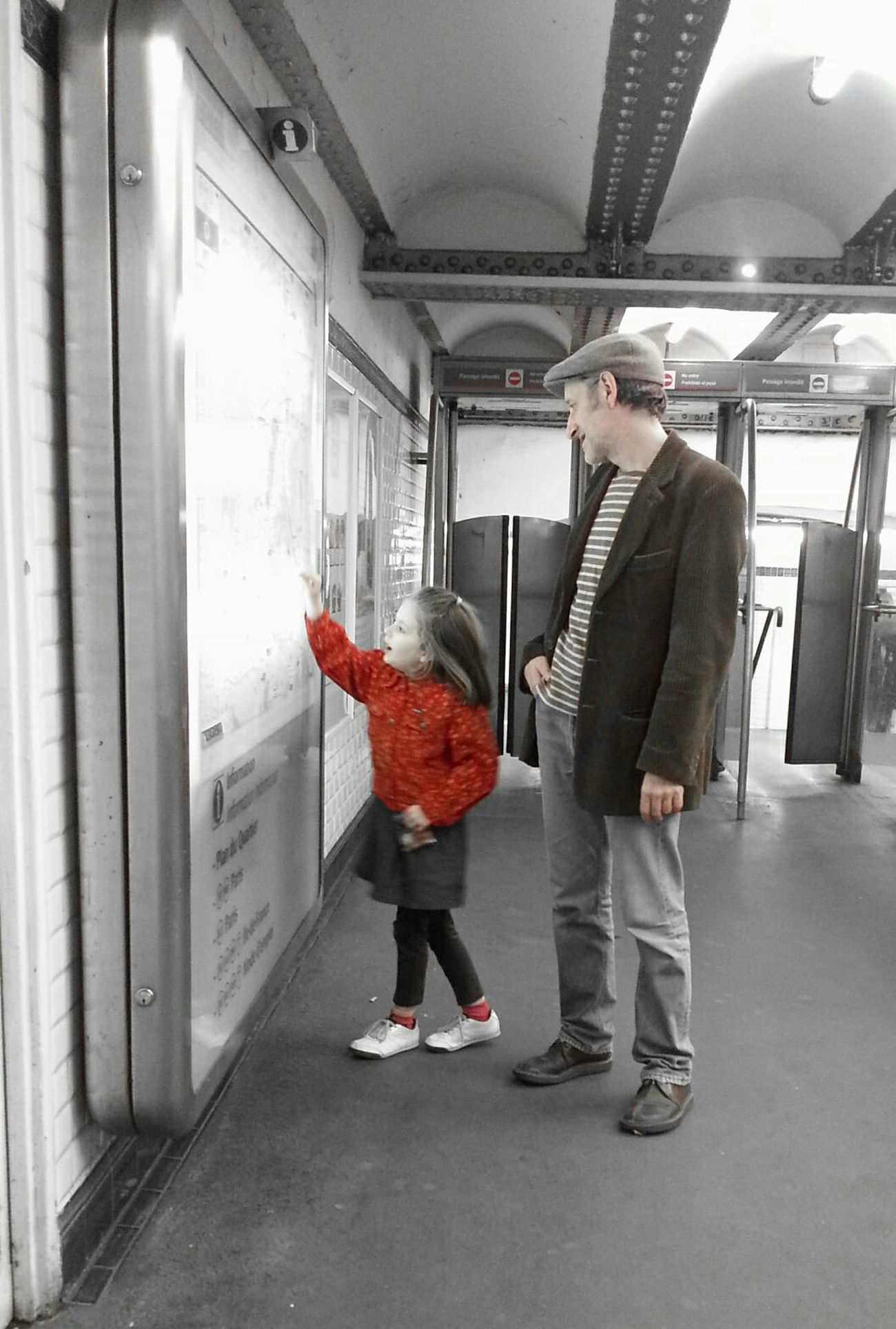 Subway Metro Paris Color Splash De Père En Fille.... RePicture Love