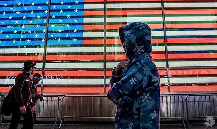 """that red, white and blue..."" Likeisaac Moodygrams Agameoftones Attacktheshot Way2ill Createcommune Heatercentral Illgrammers Fatalframes Way2ill Reflectiongram Nyc_primeshot Nj Njphotographer Njphotography Newjersey VSCO Vscocam Njshooterz Jerseycollective MG5K Primeshotmag Usaprimeshot Globalprimesplash Nightshooters wwin13nycnj_hyattts theunderdogz"