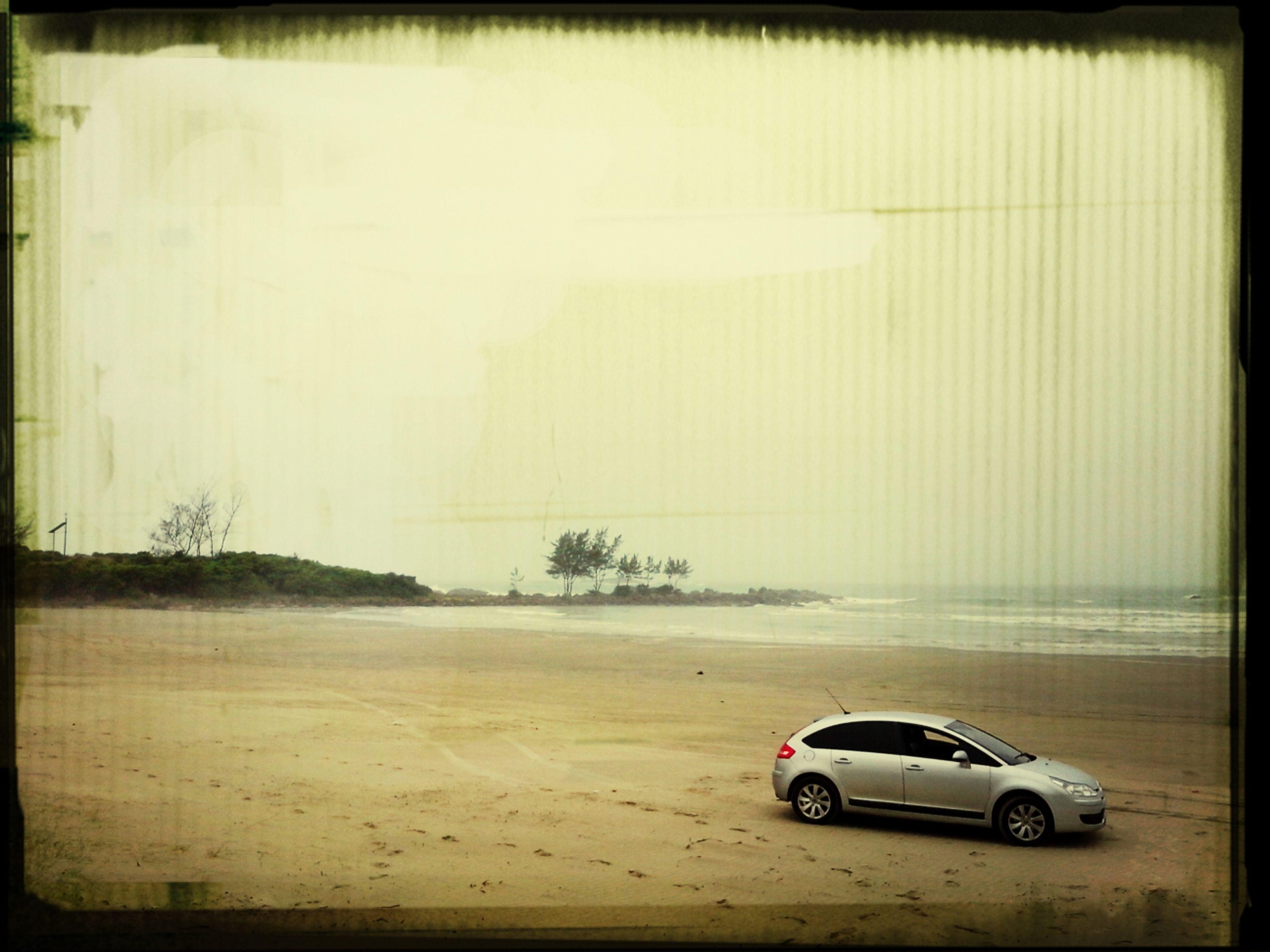 Na areia da praia...Enjoying Life