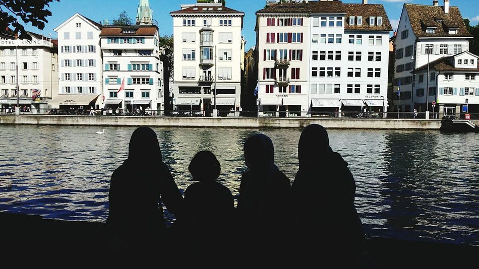 Schweiz Naturel Light Portrait The City Light Day Outdoors Shadows Four People Houses River Long Goodbye