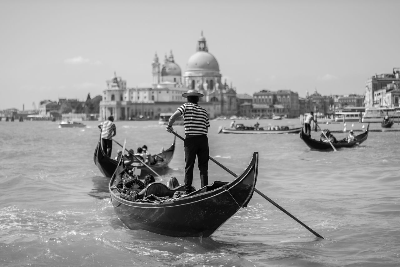 1 hour in Venice - Taxi boat to the airport Gondola Venice Boats Blackandwhite Water Urban Lifestyle Public Transportation Taxi Tadaa Community EyeEm Best Shots
