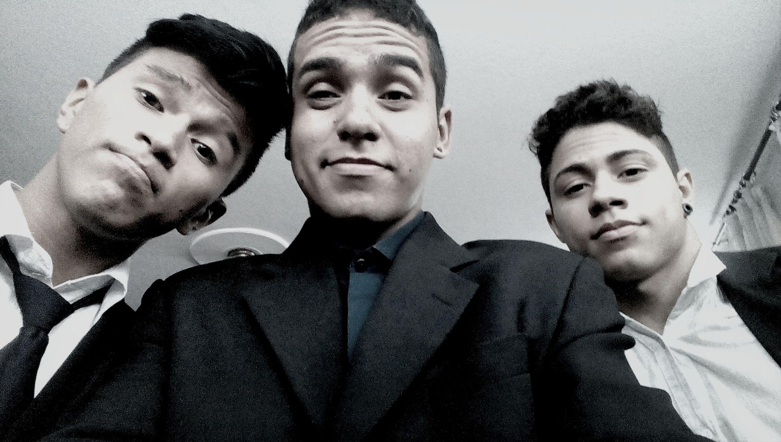 """Era pra ser um quarteto , mas faltou um brother , """"alex"""" , esses sim são parceiros ... NoNiverDaAmanda First Eyeem Photo"""