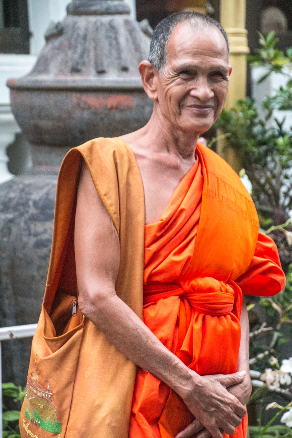 Day Eyeem People Monk  Monks Mönch One Person Outdoors People Real People Street Photography Streetart Streetphotography Thailand Travel Travellover