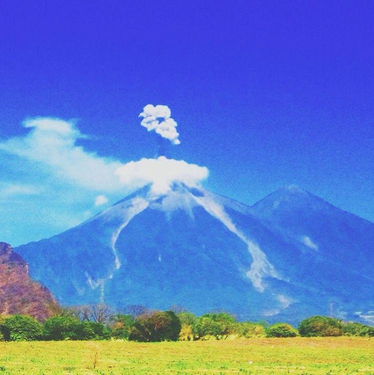 Volcanoes Guatemala Beautiful Mybeautycountry Eruption Alien Awesome