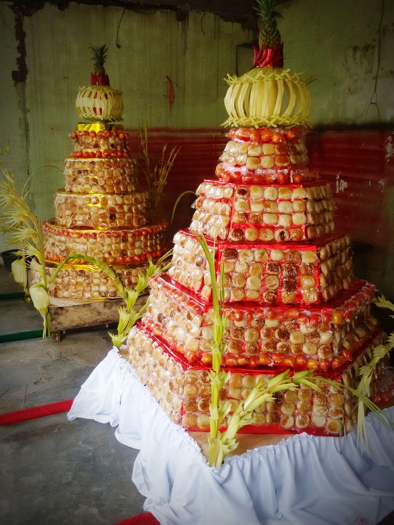 gunungan apem untuk upacara sebar apem yaqowiyu Tradisional Tradisi Upacara Kue Apem Exploreklaten Klaten, Jawa Tengah Indonesian Food