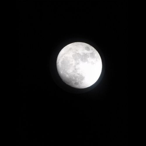 Finally got a picture of the entire moon! That's wassup! Meztli Luna Moon
