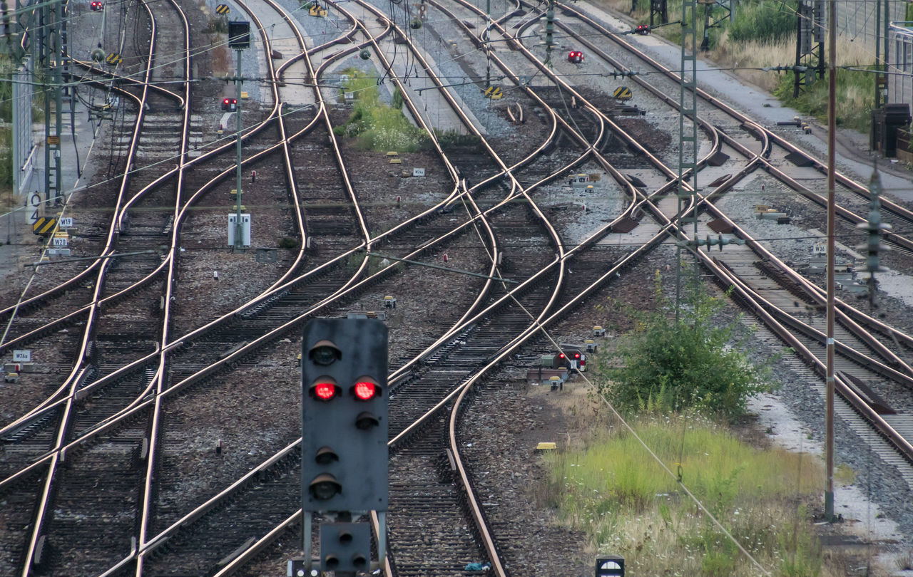 Logistics Red Schienen Signal Close-up Complexity Day High Angle View Logistic Nature No People Outdoors Public Transportation Rail Transportation Railroad Track Railway Railway Signal Transportation