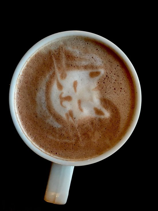 Coffee - Drink Drink Cappuccino Frothy Drink Coffee Cup Food And Drink Latte Froth Art Black Background Close-up Refreshment Studio Shot Espresso Mocha No People @photo.sa_ Coffee Cat Animal Themes Cat