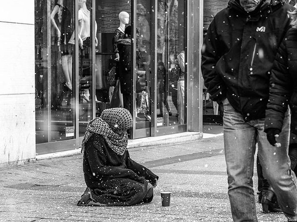 MerryChristmas Paris France Reyscue Indipendent Forget Porsche Rolex Real Realstreet MerryChristmas Homeless Documentary Social People Bw_street Bestofthe Street Moments White Black Travel Artist Nonprofit Old Urban shadows world bw sadness