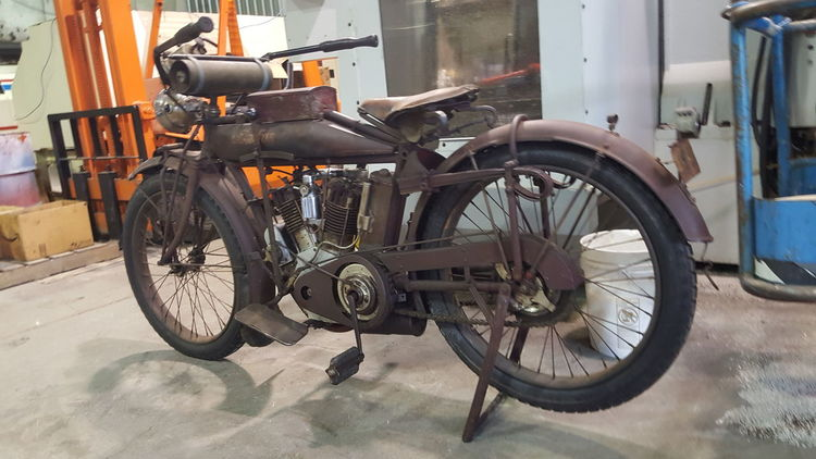EyeEm Selects Mode Of Transport Transportation Land Vehicle Bicycle Motorcycle Stationary Day
