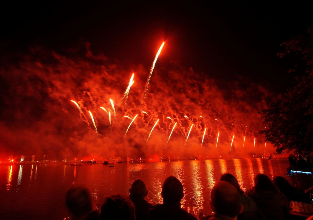 Firework on Hannover's city lake Maschsee Colors Enjoyment Firework Hannover, Lake Maschsee, Hannover City Night Water,