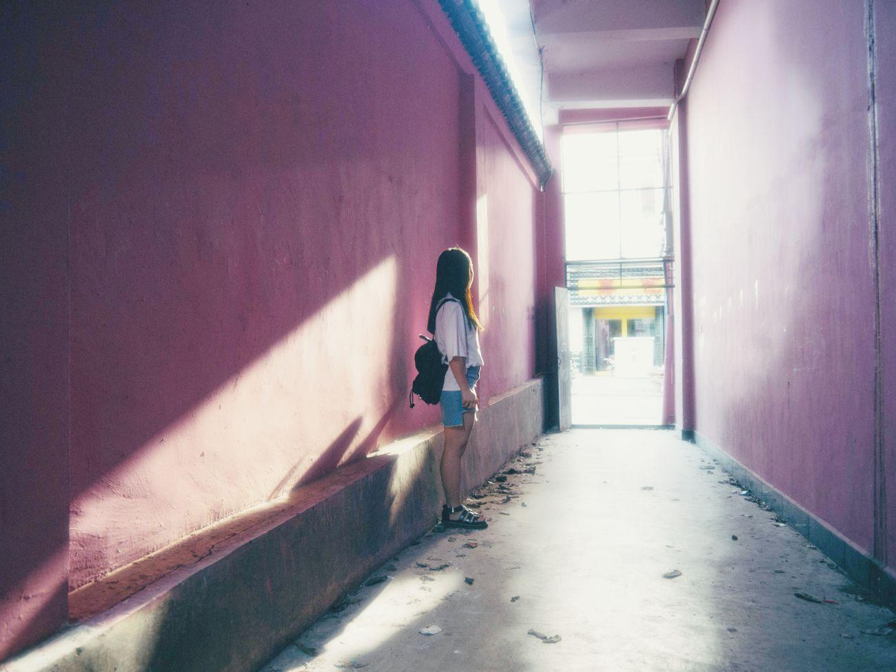 People Photography Girl 之前看过川内伦子,挺喜欢的,这次想试试看,感觉没有模糊到位。😦