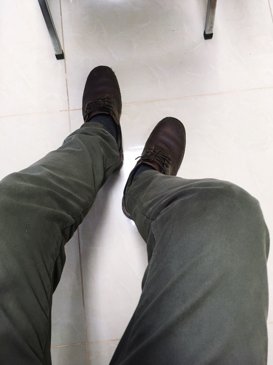 shoe, low section, human leg, standing, one person, personal perspective, real people, men, jeans, human body part, indoors, day, close-up, one man only, people