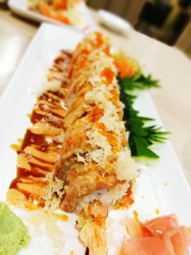 Salmon Maki Ready-to-eat No People Close-up Food And Drink Freshness Healthy Eating Sushi Japanese Food Makimaki Gourmet Bangkok Thailand.