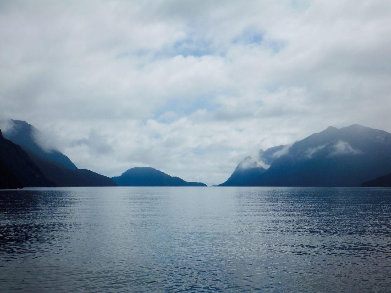 Horizon Mountains Nature Water Fiord Fiordland Doubtful Sound New Zealand South Island Tourist Destination
