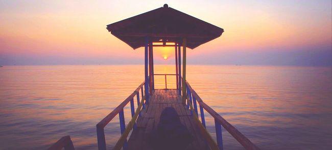 ...the sun chaser Sunrise Enjoying The Sun The Environmentalist – 2014 EyeEm Awards Olympus OM-D E-M5