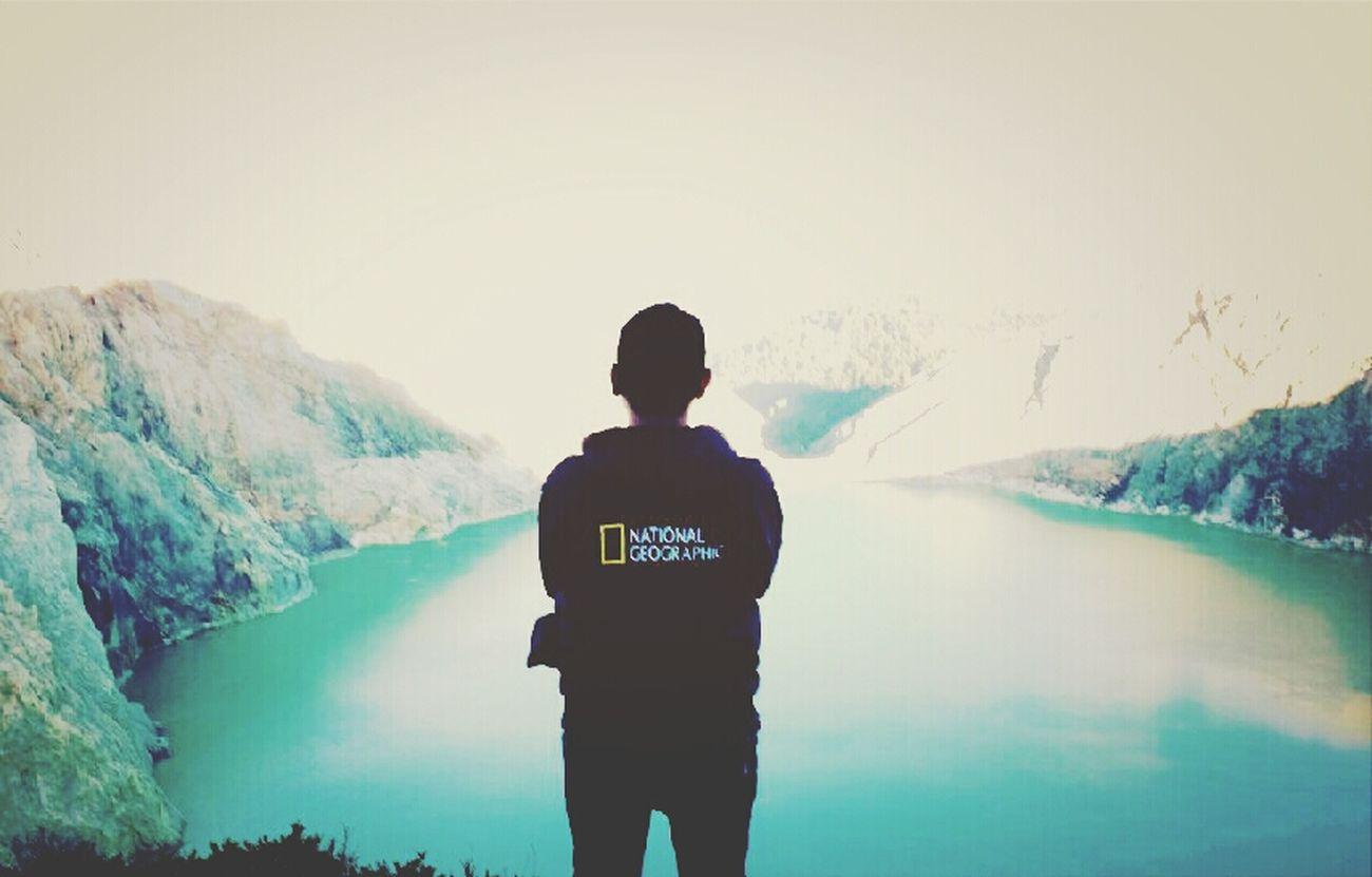 Urban Escape Crater Lake Blue Fire Enjoying Life