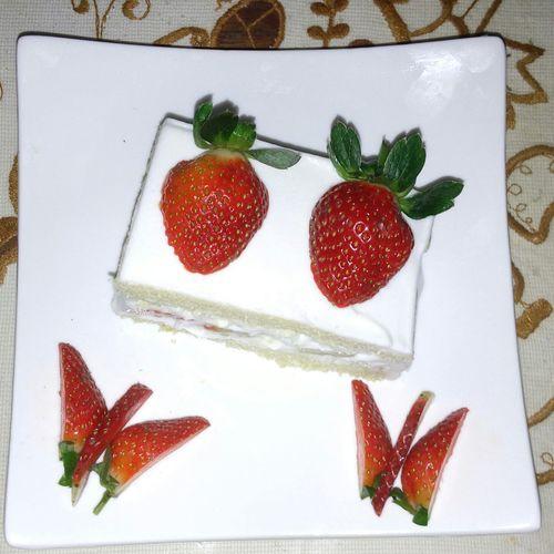 Strawberry shortcake Taking Photos Make It Yourself Yummyinmytummy Foodporn Foodphotography Foodie Foodgasm