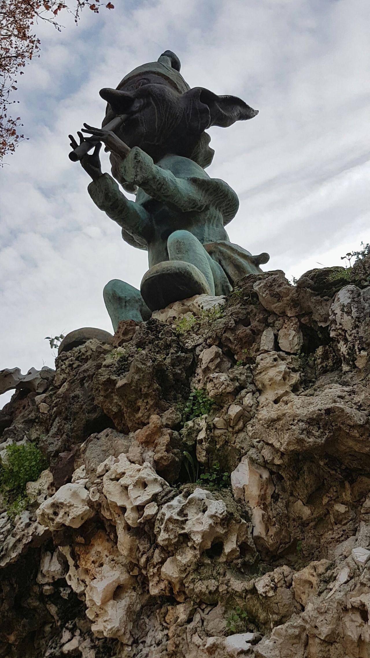 Travel Landscape Rock - Object Nature Cloud - Sky No People Sky Outdoors Day Sculpture Statue Elf El Retiro Park El Retiro