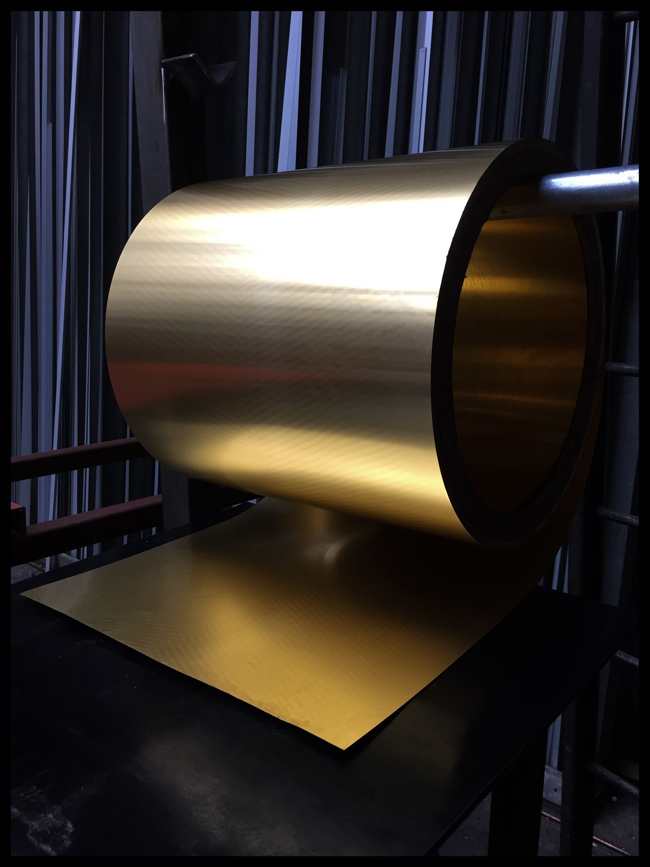 Forbidden Picture Weber Metal Laiton Roll Wave Golden
