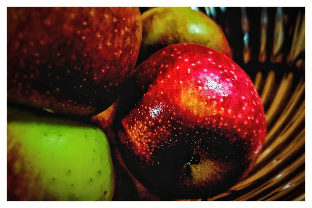 Fruit Bowl Smartfonefoto Samsunggalaxys7edge Apple Highlights Red Close-up Fruit