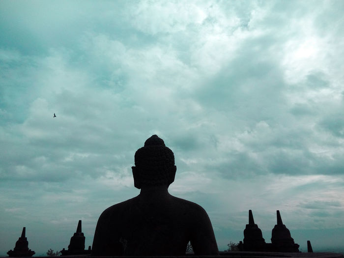 Religion Architecture Statue Spirituality Old Ruin Silhouette Travel Destinations Built Structure Building Exterior Cloud - Sky History Ancient Ancient Civilization Sculpture Place Of Worship Sky Day Outdoors People King - Royal Person
