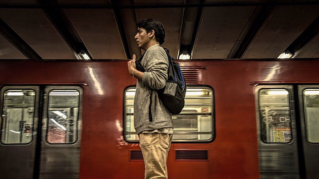 Metro Peoplescreatives Photooftheday Shotaward Lifeofadventure Newrebels Cdmx Folkpeople 16x9photography Newphotographer Truetalent