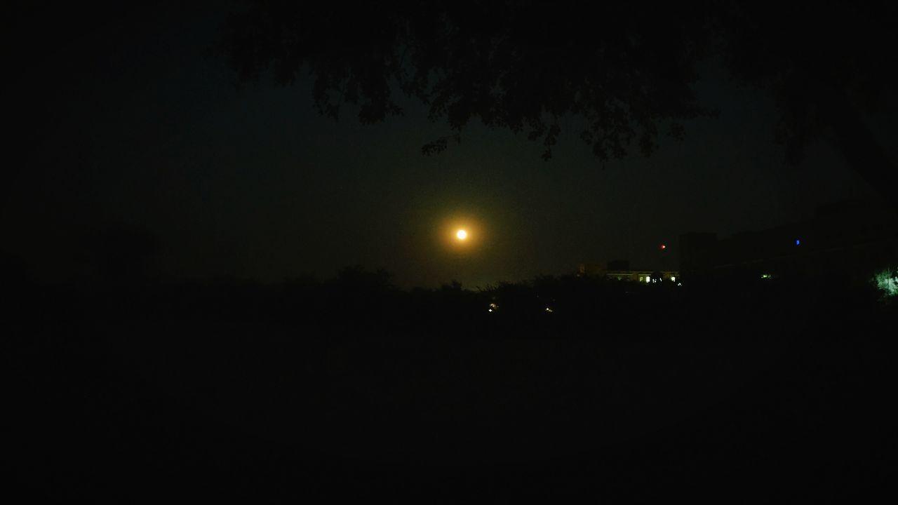 night, moon, dark, illuminated, sky, silhouette, nature, no people, outdoors, beauty in nature, astronomy, tree