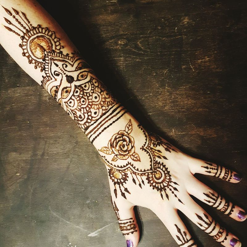Human Body Part Human Hand MehndiDesign Henna Tattoo Human Skin Punjabistyle Punjabiculture Body Adornment MehndiTattoo MehndiTattoos MehndiDesigns MehndiArtist Mehndi Tattoo My Work Beauty Culture Cultures Beautiful Woman Human Finger