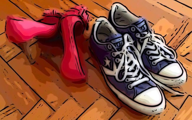 TakeoverContrast Creativity Lifestyles Love Is In The Air Converse High Heels Graphic Design Ilustration I Love It ❤ Love is in the feet Make Love Not War Lifestyle