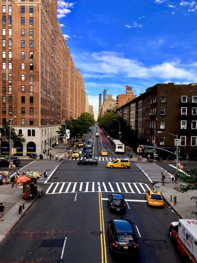 New York City Chelsea Street Car On The Move Architecture City Life Travel Destinations