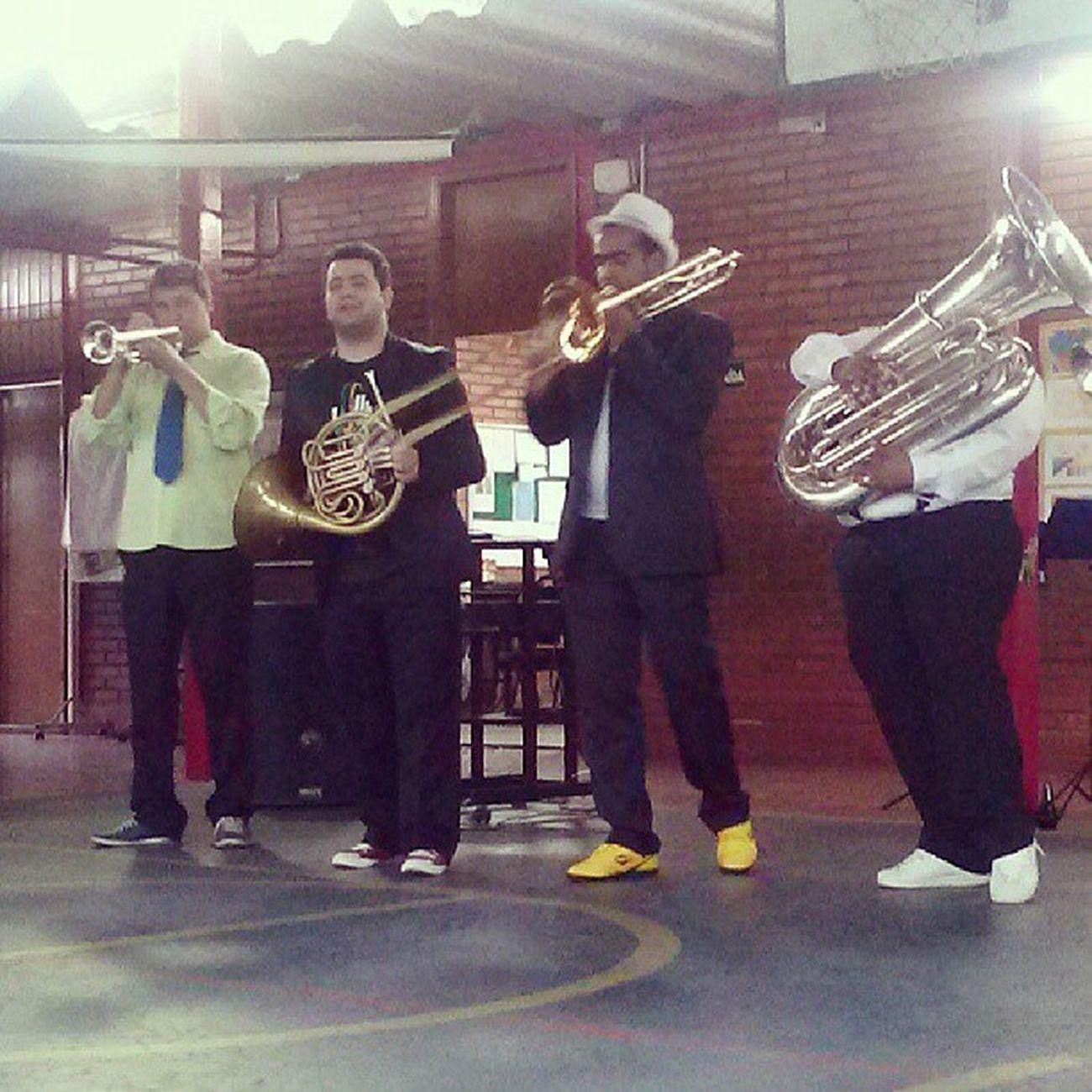 Uma musiquinha pra alegrar....Orquestra Sesi School Music pic photo instrumentos like4like 100likes brazilian