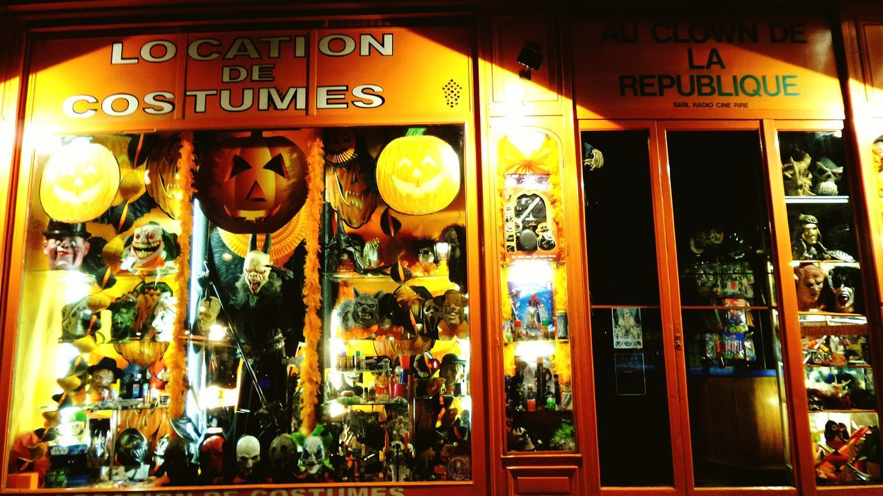 La Petite Boutique Des Horreurs Trick Or Treat Halloween Colors Of The Night Night And Light Mes Nuits Sont Plus Belles Que Vos Jours My Nights Are Most Beautiful Than Your Days Pic Of The Day Pic Of The Night  Amazing Place