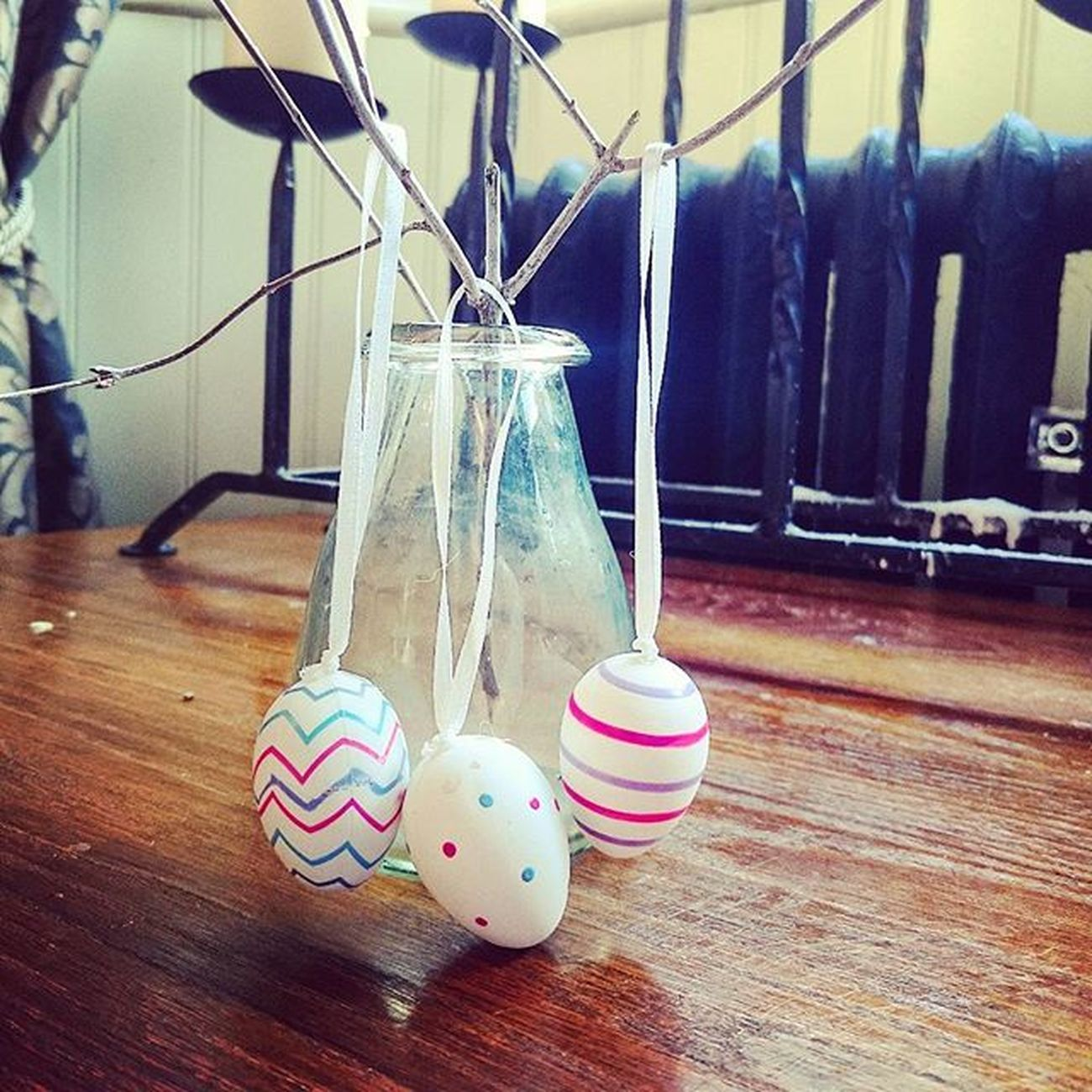 Some Easter decoration.. Easter Eggs Decoration TheCrown Aston Pub Decor Jar Glassjar Woodentable Art ICAN XPERIA