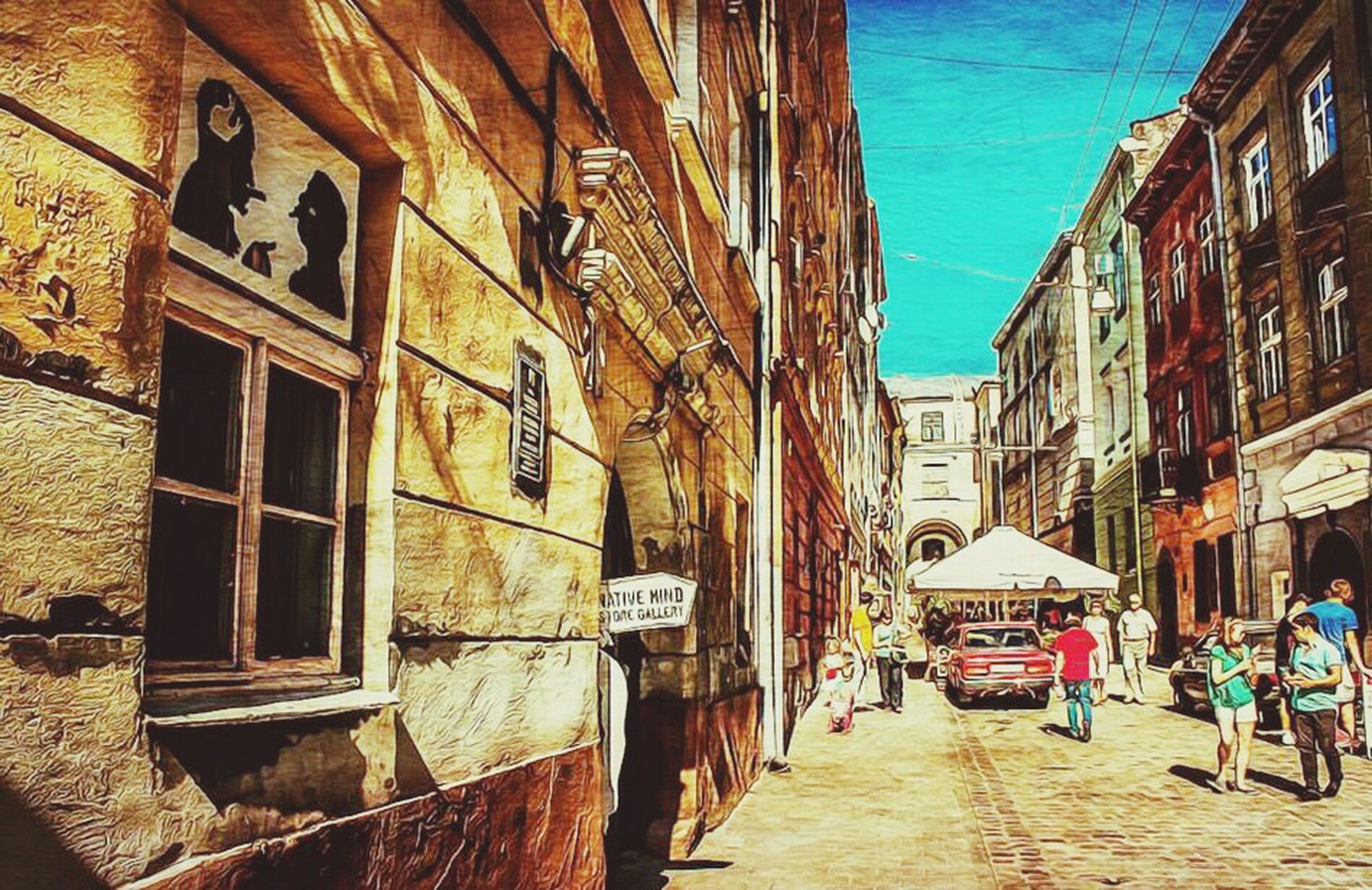 architecture, building exterior, built structure, street, the way forward, residential building, residential structure, city, building, alley, cobblestone, narrow, city life, diminishing perspective, incidental people, town, old town, day, outdoors