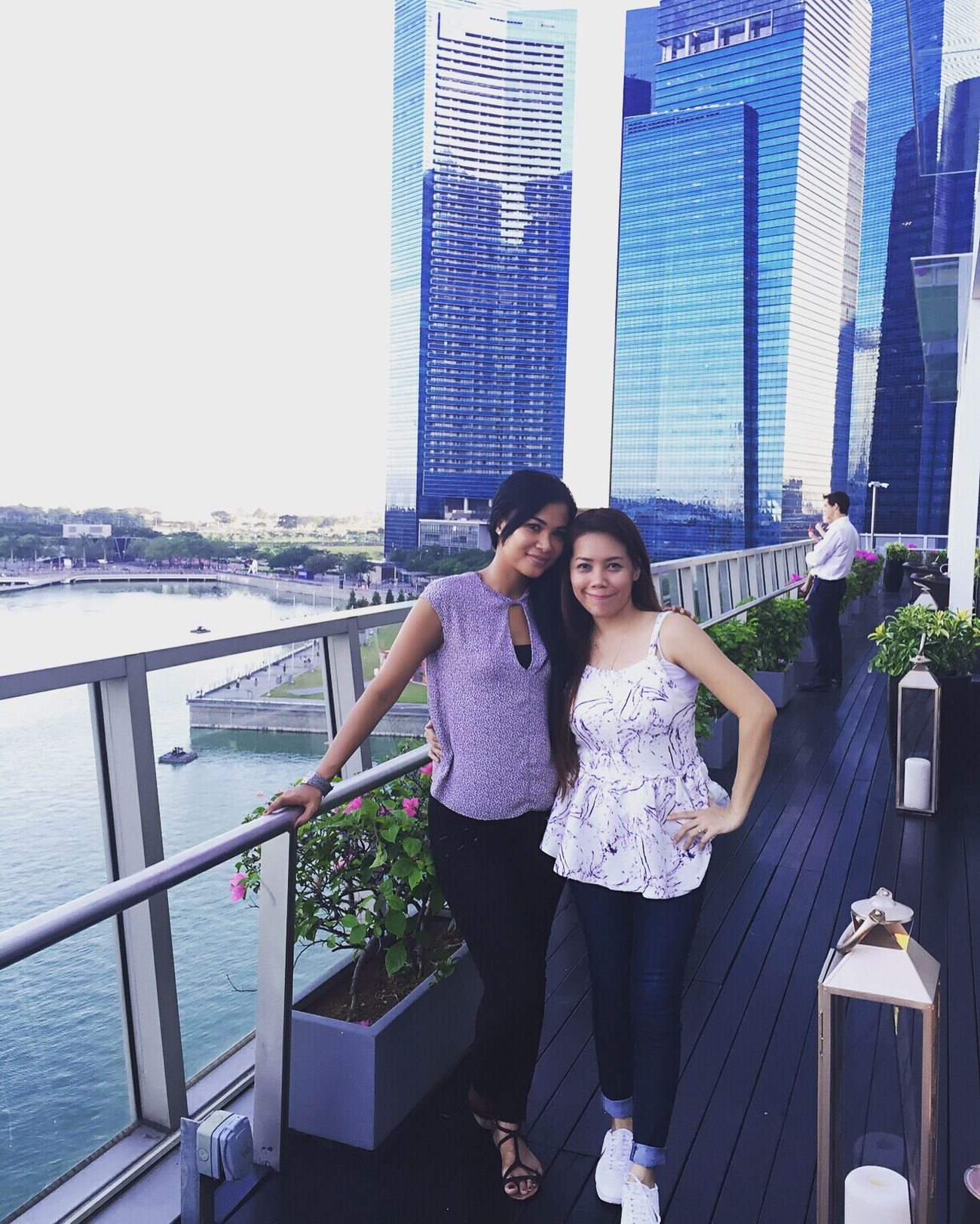 Hanging Out Friend That's Me Hello World Singapore Latepost TheFullertonHotel Lantern Happy EyeEmBestPics Popular First Eyeem Photo EyeEm Nature Lover Fashion&love&beauty EyeEm Best Shots Girls Asian  Friends Enjoying Life EyeEm Gallery Lovemetta Mymetta