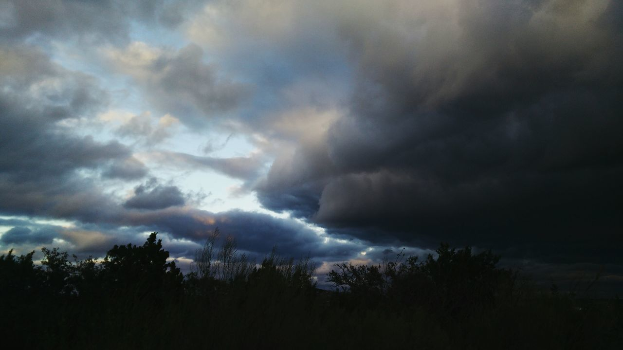 Clouds And Sky Cloudy Clouds Windy Windy Day Cold Grey Sky A Storm Is Coming