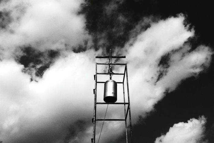 Monochrome Photography Low Angle View Street Light Lighting Equipment Sky Cloud - Sky High Section Cloud Day Lamp Post Scenics Outdoors Nature Cloudy Tranquility No People Majestic Blackandwhite Instagram Black&white Blackandwhite Photography Huawei