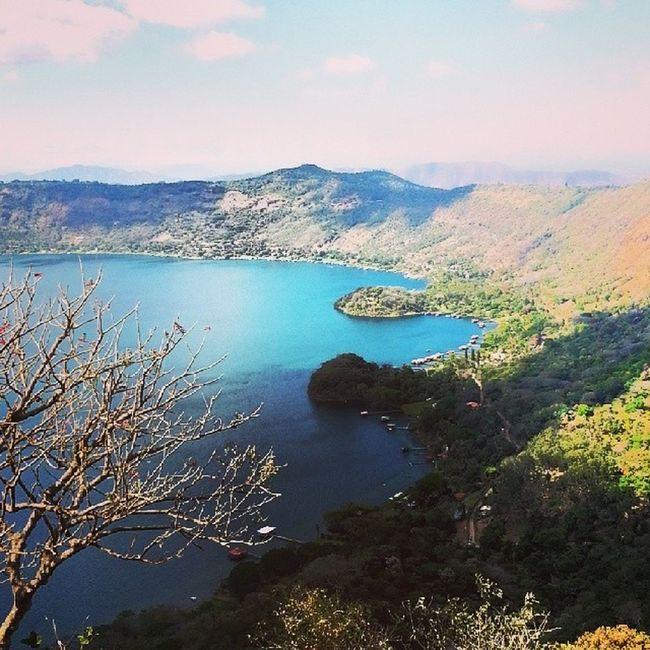 Vista desde la calle al CerroVerde Lago Coatepeque ElSalvador  camera galaxyS3
