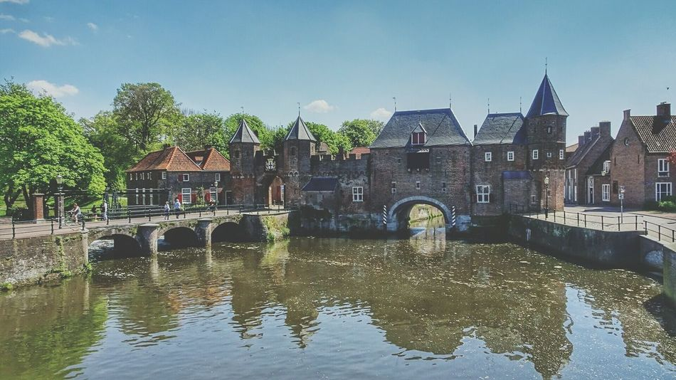 Beautiful Amersfoort Famous Watergate Koppelpoort Taking Photos Check This Out Historical Buildings