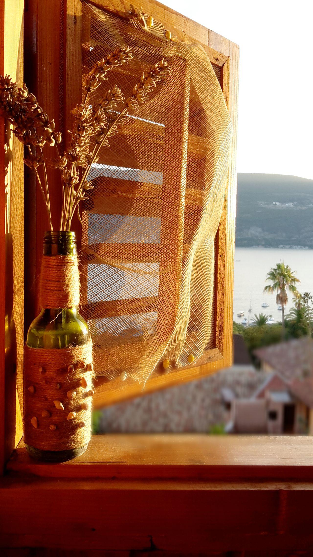Handmade Seastyle Seashells Winebotttle Window View Seaside Lavander