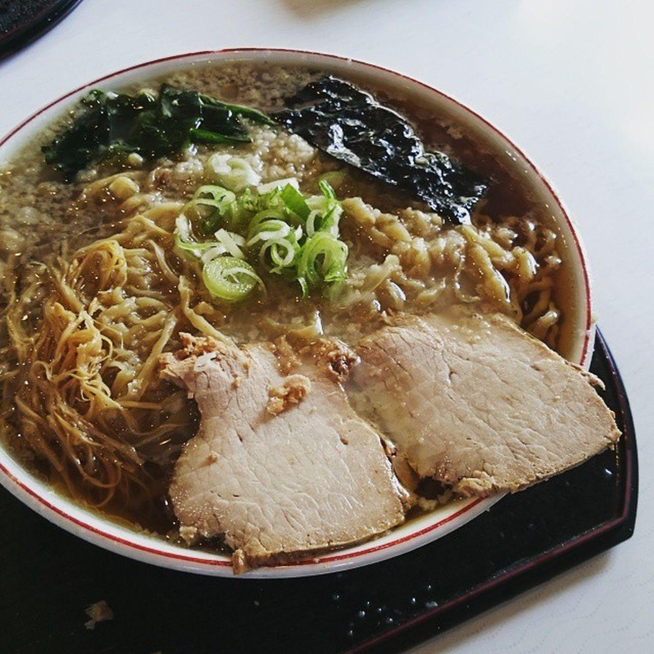 今日のランチ。鶴岡の「鈴木そば」さんで、「こてっすず」中盛。かなりガツンとくる味。