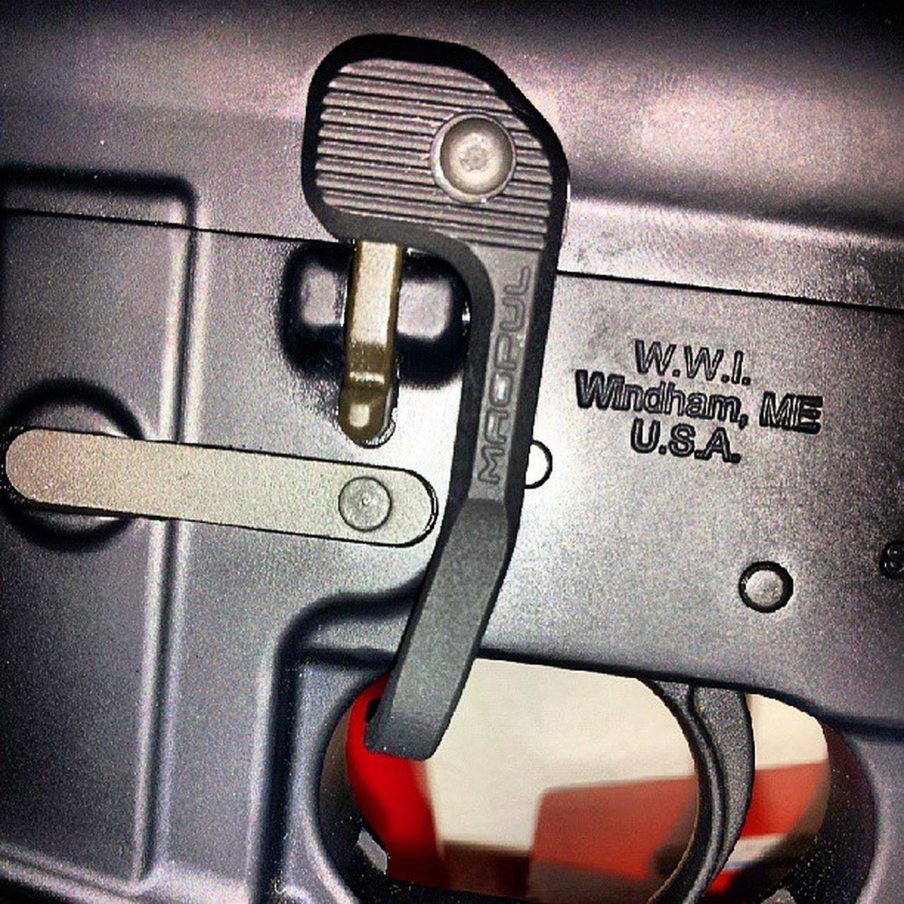 New MagpulBADlever ....it's more like Badass lever !! Lock and drop the bolt with your Triggerfinger !
