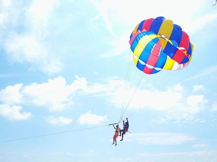 Small And Swift Enjoying Life Hangingaround Hello World Adventurespirit Adventure Time! Holiday Memories Great Time Together Great Outdoors Parachute Sailing
