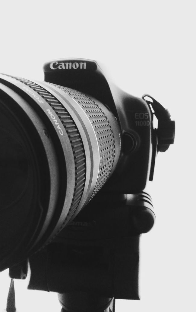 Canon Machinery Close Up Close-up Studio Photography Studios Studio Shoot Still Life StillLifePhotography Camera - Photographic Equipment Camera Photographic Equipment Biancoenero Blackandwhite Bnwphotography Indoor Setup Passionforphotography Passionate