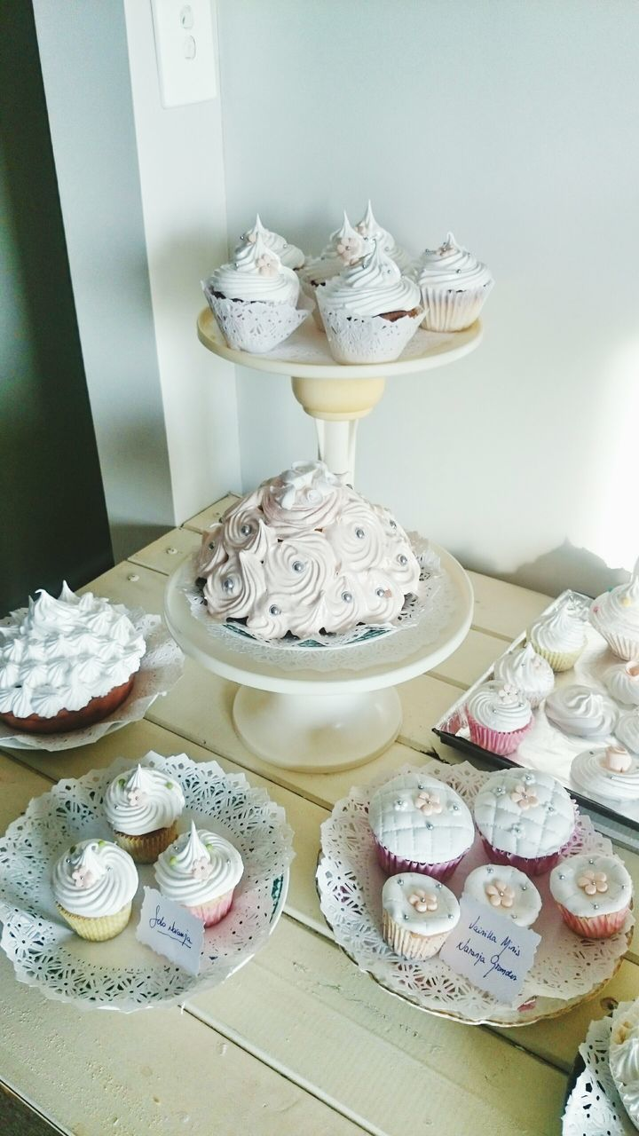 Close-Up Of Cup Cakes On Table