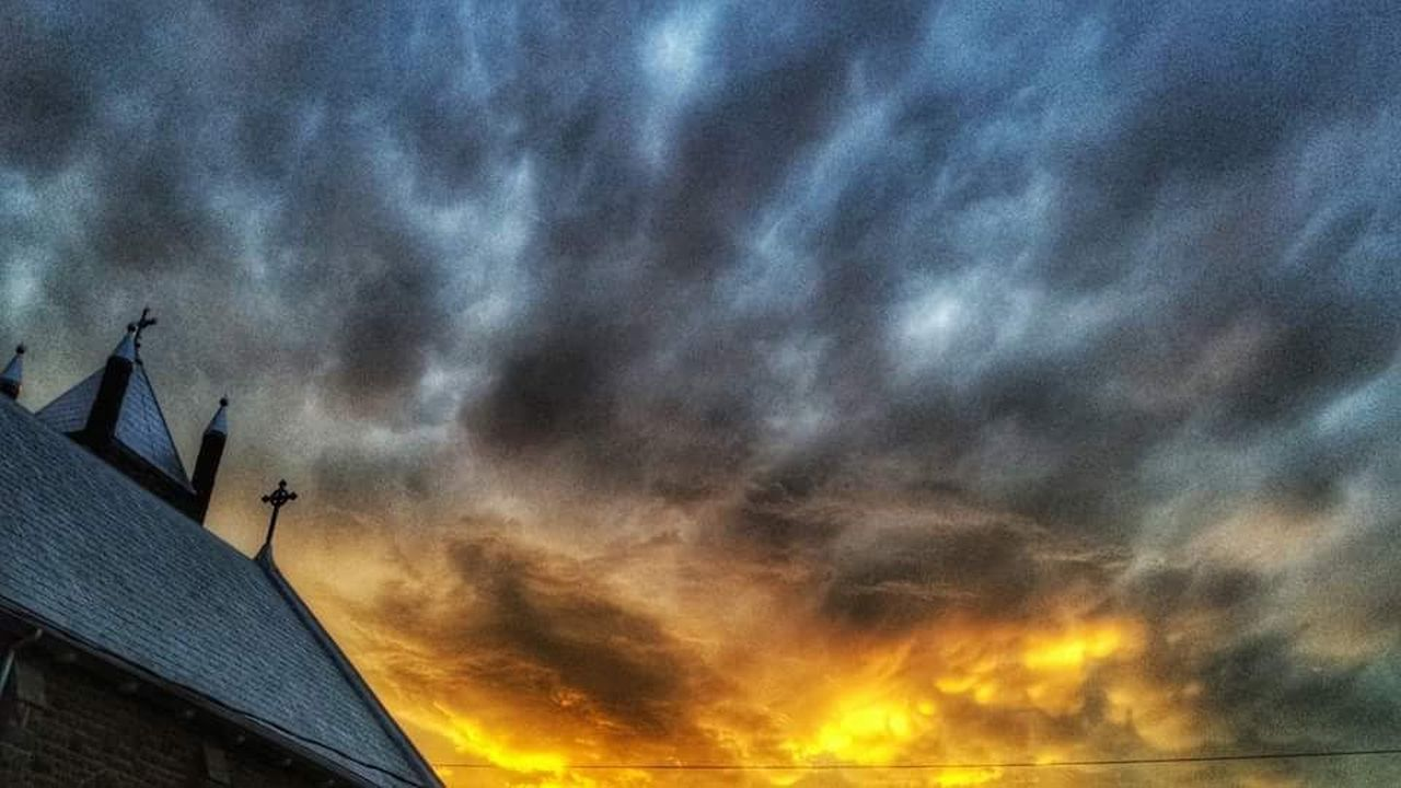 Dramatic Sky Cloud - Sky No People Sunset Nature Beauty In Nature Thunderstorm Outdoors Scenics Storm Cloud Merrickville Fresh On Eyeem