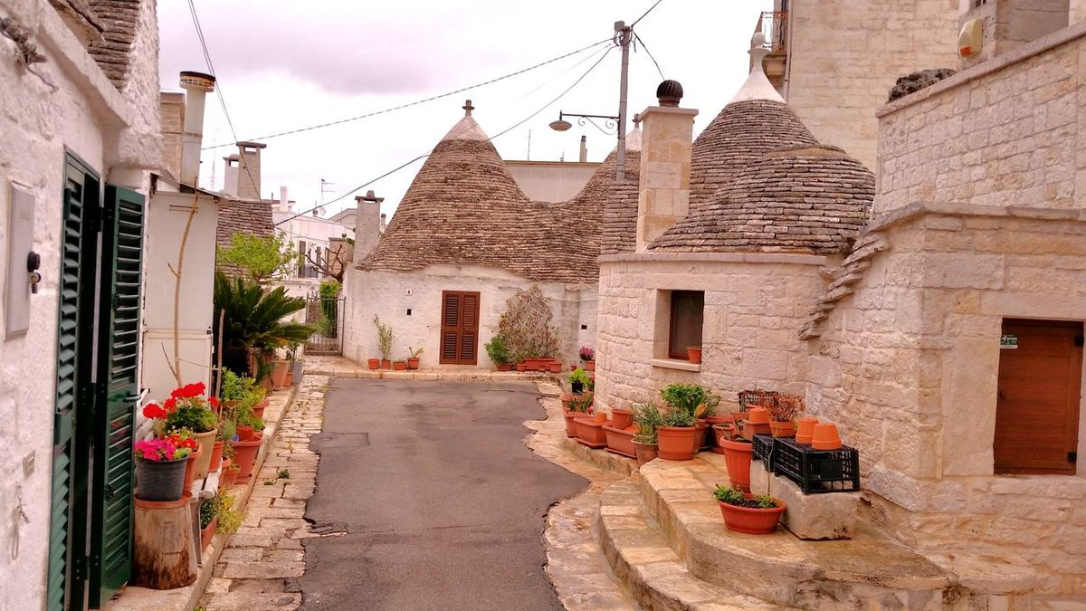 Architecture Building Exterior Built Structure Travel Destinations Outdoors Day Sky No People EyeEmNewHerе Alberobello - Puglia Trulli Houses Trullo Di Albero Bello Trullilovers