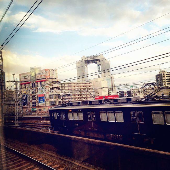 大阪梅田 空中庭園 阪急電車 夕方